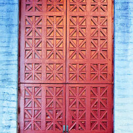 Holly Blunkall - The Red Door