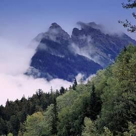 Janet Ashworth - The Rockies Appear