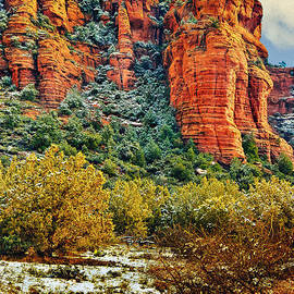 Bob and Nadine Johnston - The Secret Mountain Wilderness in Sedona Back Country