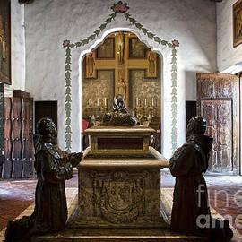 RicardMN Photography - The Serra Cenotaph in Carmel Mission