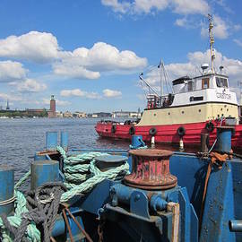 Rosita Larsson - The shipyard