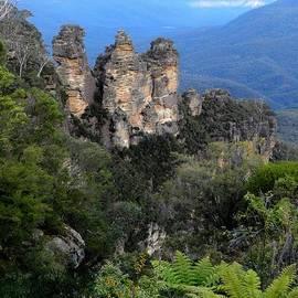 Sandra Sengstock-Miller - The Three Sisters Blue Mountains Sydney Australia