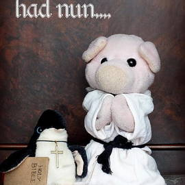 Piggy            - This Little Piggy Had Nun