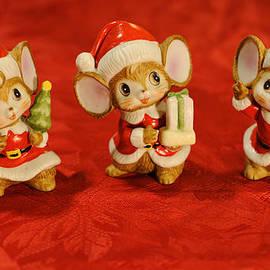 Luke Moore - Three Little Christmas Mice