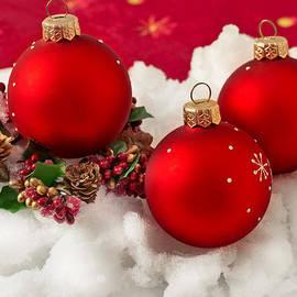 Sviatlana Kandybovich - Three red Christmas balls