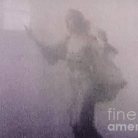 Lyric Lucas - Through The Mist