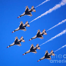 Debra Thompson - Thunderbirds Jet Team Flying Fast