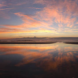 Island Sunrise and Sunsets Pieter Jordaan - Tide Pool Reflection