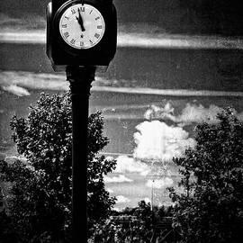 Dorothy Pinder - Time