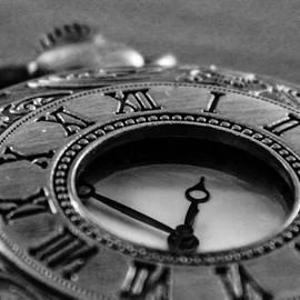 Andrea Mazzocchetti - A vintage clock - Timeless