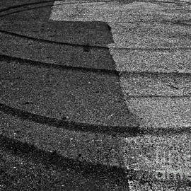 Fei A - Tire Traces B W