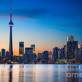 Inge Johnsson - Toronto from Centre Island