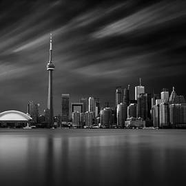Ian  Good - Toronto Skyline - 8 Minutes in Toronto