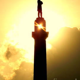 Michael Hoard - Totality Of The Summer Solstice Of The Statue Of General Robert E. Lee In New Orleans Louisiana