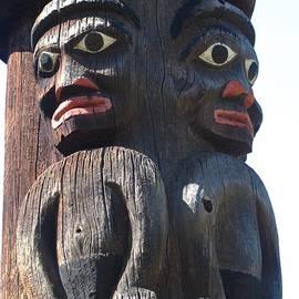 Ann Horn - Totem Twins