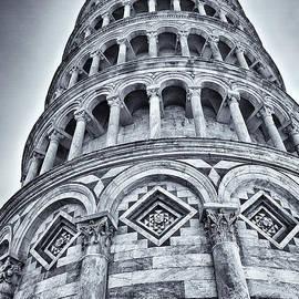 Kim Andelkovic - Tower of Pisa