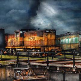 Mike Savad - Train - Let