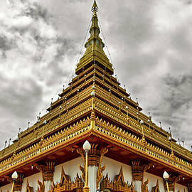 Suradej Chuephanich - Triangle Pagoda