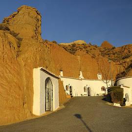 Guido Montanes Castillo - Troglodyte Caves
