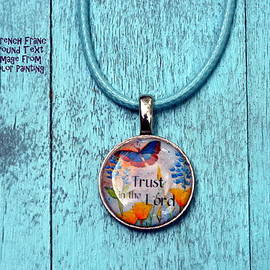 Carla Parris - Trust in the Lord resin French franc pendant