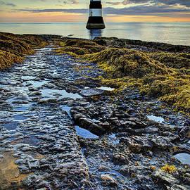 Mal Bray - Trwyn Du Lighthouse