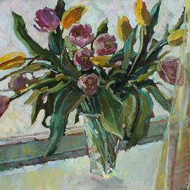 Juliya Zhukova - Tulips on the winter window