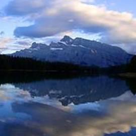 Ian Mcadie - Two Jack Lake Sunset