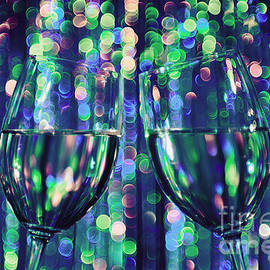 Maria Bobrova - Two Wine Glasses 1