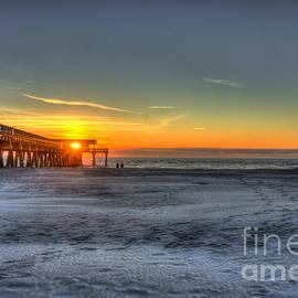 Reid Callaway - Tybee Island Pier Sunrise Watchers
