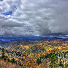 Reid Callaway - Under The Clouds Blue Ridge Parkway Great Smokey Mountains North Carolina