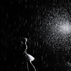 Zina Zinchik - Under the rain 1