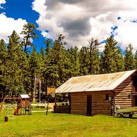 Bob and Nadine Johnston - Vacation Cabin Happy Jack Arizona