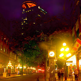 Alex Khomoutov - Vancouver Night Lights - Steam Clock in Gastown
