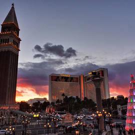 Lance Vaughn - Vegas Christmas Sunset 001