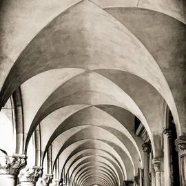 rdm-Margaux Dreamations - Venetian Archway -Full