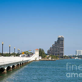 Les Palenik - Venetian Causeway in Miami