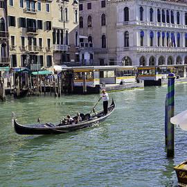 Madeline Ellis - Venice Holiday