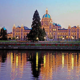 Alex Khomoutov - Victoria Night Lights - Parliament Buildings Inner Harbour Vancouver Island