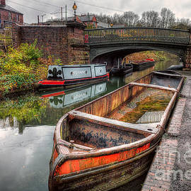 Adrian Evans - Victorian Canal