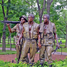 Jim Fitzpatrick - Vietnam War Memorial Three Servicemen statue in Washington D.C.