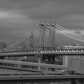 ILONA ANITA TIGGES - GOETZE  ART and Photography  - View to Manhattan Bridge N Y C