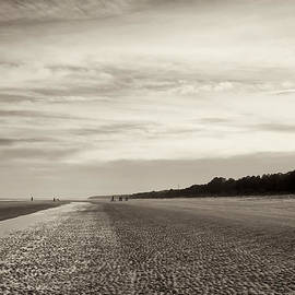 Phill  Doherty - Vintage Hilton Head at Low Tide