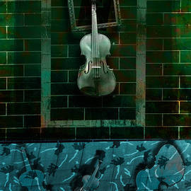 Kim Gauge - Violin