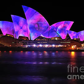 Kaye Menner - VIVID SYDNEY by Kaye Menner - Opera House ... Pink and Blue