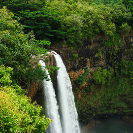 Photography  By Sai - Wailua Falls Kauai