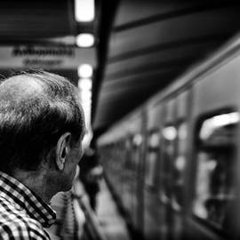 Spyros Papaspyropoulos  - Waiting for the train