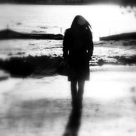 Valentino Visentini - Walking Alone