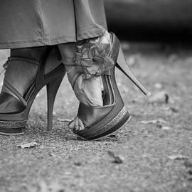 Ester  Rogers - Walking In High Heels