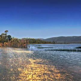 Damian Morphou - Wartook Lake