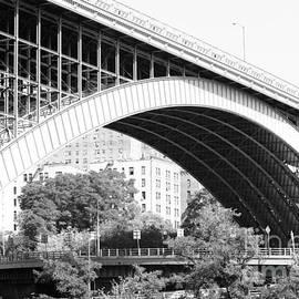 Robert Yaeger - Washington Bridge New York City